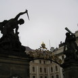 プラハ城の門・・・の上